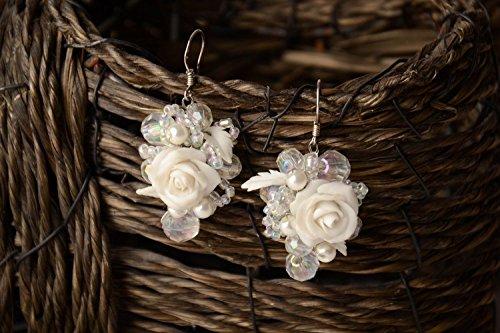 Pendientes Originales De Arcilla Polimérica Con Abalorios Rosas Blancas