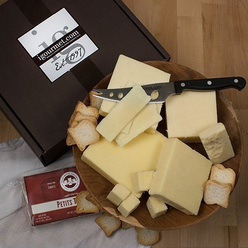 Cheddars of the World Assortment in Gift Box (32.75 ounce) (Mature Cheddar Cheese)