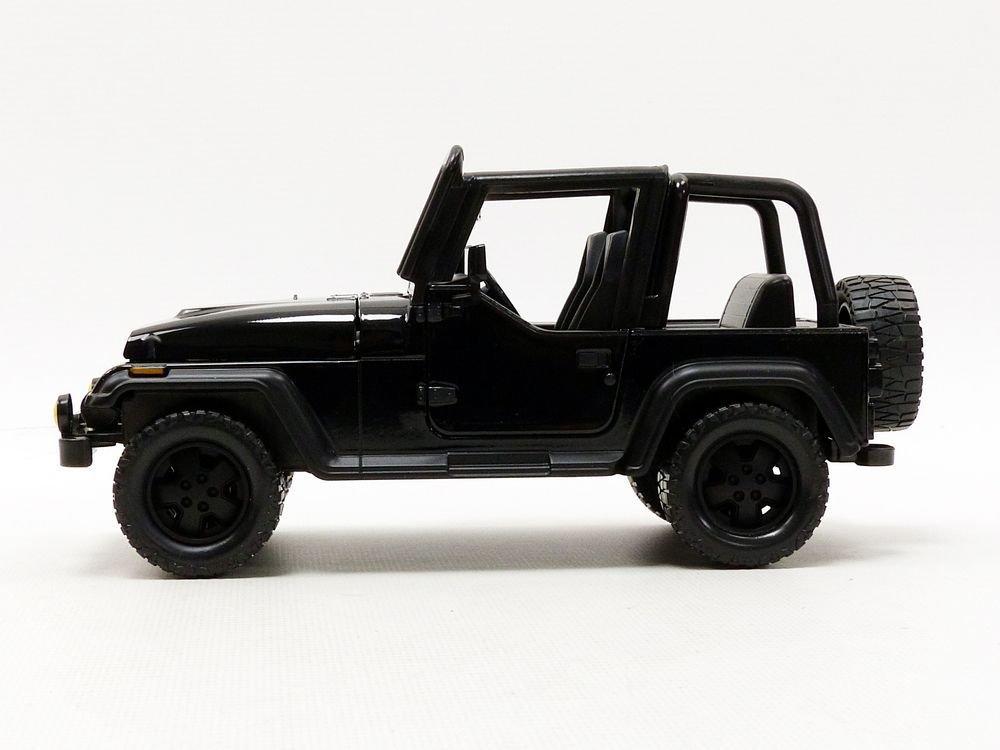 Jada 98083 1 by 24 Scale Diecast 1992 Jeep Wrangler Black Model Car