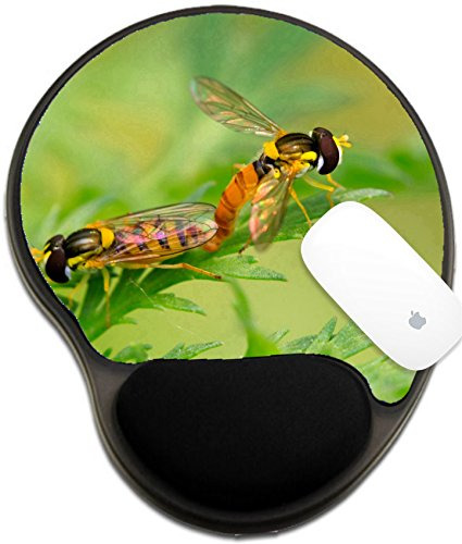 Luxlady Mousepad wrist protected Mouse Pads/Mat with wrist support design IMAGE ID 7399634 a kind of insects named syrphidae on a green leaf photographs of natural wild state Luannan County - Prov Place