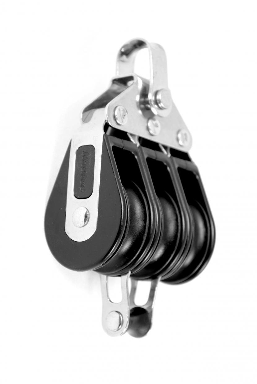 Nautos #92335-Classic line 39 MM -TRIPLE FIXED WITH BECKET - 39 mm sheave-long lasting characteristics.Sailboat block