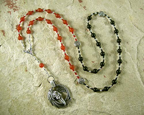 Morrigan Prayer Bead Necklace in Carnelian and Onyx: Irish Celtic Goddess of War, Death and Sovereignty ()