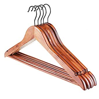 how to pack hangers in luggage