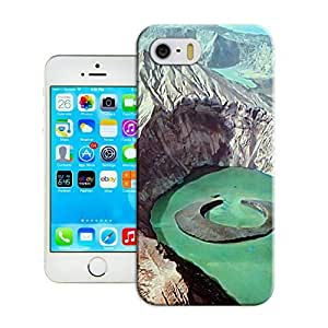LarryToliver Customizable Landscape For iphone 5/5s Cases