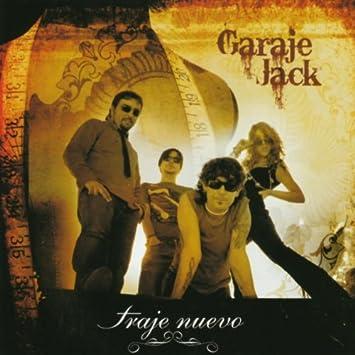 TRAJE NUEVO - Amazon.com Music