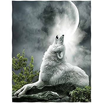 QH Wolf Print Soft Velvet Plush Throw Blanket Cozy Lightweight Blanket Perfect for Couch or Travelling