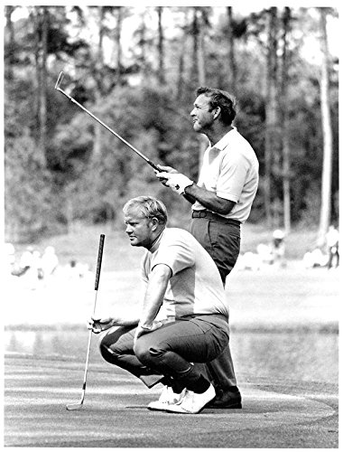 A Young Jack Nicklaus & Arnold Palmer Sharing a Laugh On The Green During The 1972 Masters. 8x10 ()