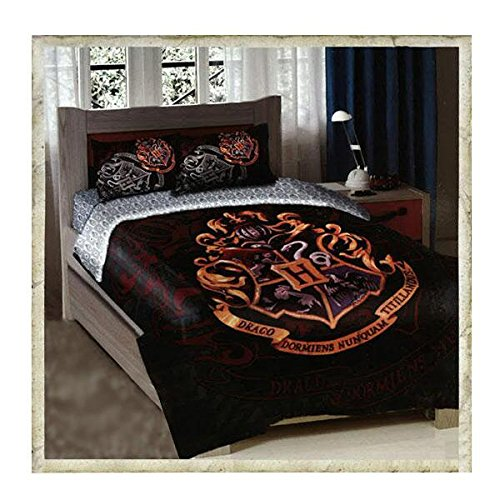 """Price comparison product image Harry Potter, """"School Motto"""" Twin/Full Comforter with Two Pillow Shams, 72"""" x 86"""""""