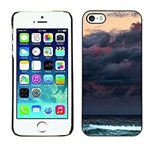 For Apple iPhone 5 / iPhone 5S Case , Clouds Sea Ocean Waves Moon - Diseño Patrón Teléfono Caso Cubierta Case Bumper Duro Protección Case Cover Funda