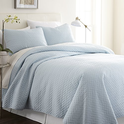 ienjy Home Herring Patterned Quilted Coverlet Set, King, Pale Blue (Quilt Blue Pale)