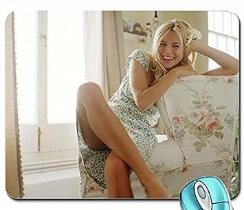 Jennifer anniston bikini pictures
