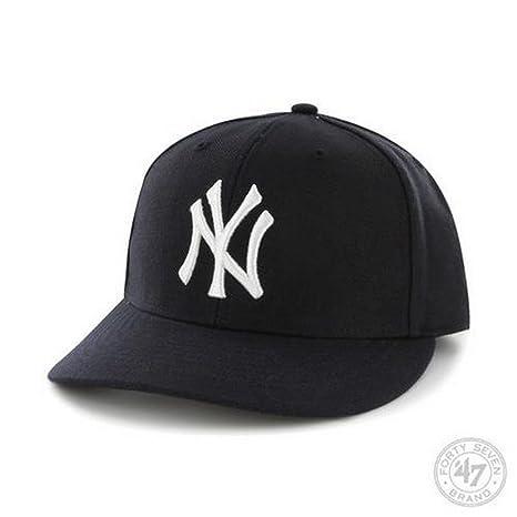 d07c8e8200701 Amazon.com   MLB New York Yankees Men s  47 Brand Home Bullpen MVP ...
