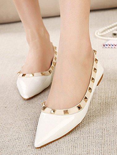 Chfso Womens Trendy Comfortabele Studded Puntige Teen Laag Uitgesneden Jurk Slip Op Platte Schoenen Schoenen Wit