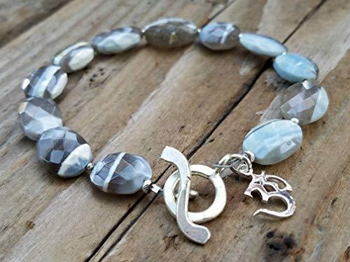 (Blue Owyhee Opal and Sterling Silver Bracelet)
