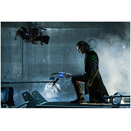 Avengers Tom Hiddleson As Loki Holding Staff 8 X 10 Inch Photo