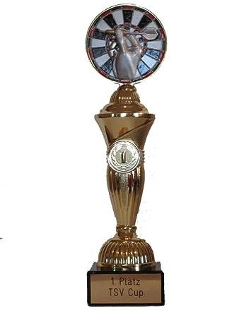 RaRu Dart-Pokal mit Gravur und Resin-Emblem 3 Dart-Anstecknadeln.
