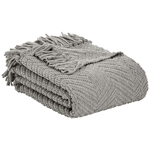 AmazonBasics Chunky Knitted Fringed Throw Blanket - 60 x 80 Inches, Light Grey