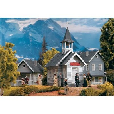 PIKO G SCALE MODEL TRAIN BUILDINGS - COUNTRY CHURCH - 62229
