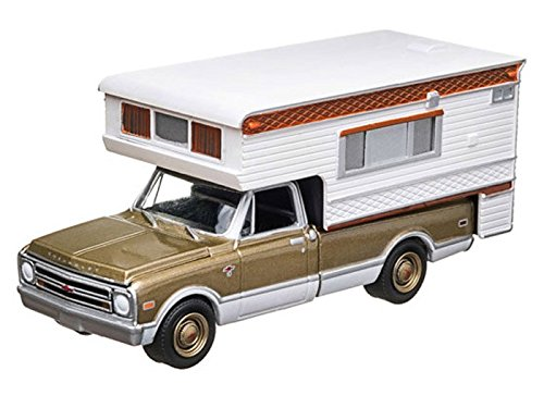 1968 Chevy C10 Cheyenne with Large Camper (Hobby Exclusive) 1/64 Gold