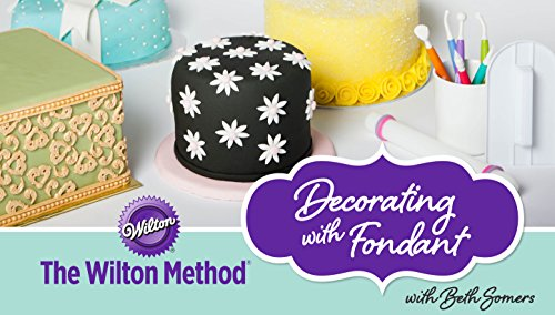 The Wilton Method: Decorating with - Hours Store Wilton