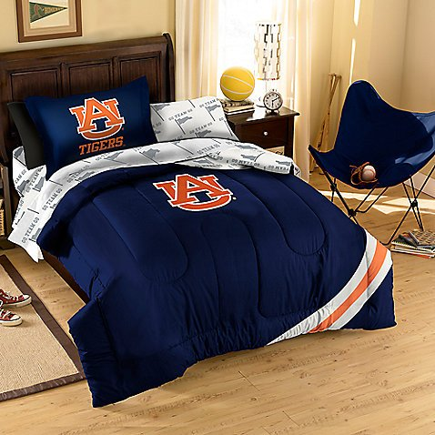 Officially Licensed NCAA Auburn Tigers Twin/Full Size Comforter with Sham (Auburn Tigers Ncaa Comforter)