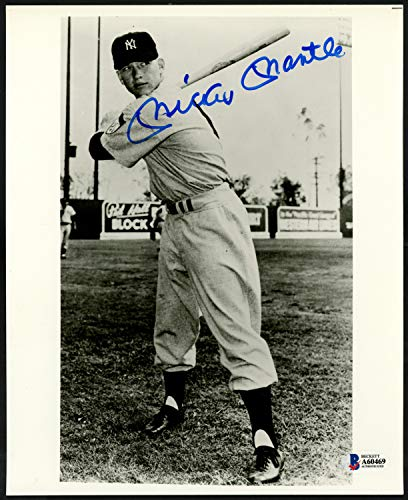 - Mickey Mantle Autographed Signed Memorabilia 8x10 Photo New York Yankees 1951 Rookie Year Jersey #6 - Beckett Authentic