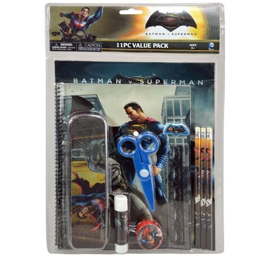 Batman v/s Superman 11pc Value Pack with Plastic