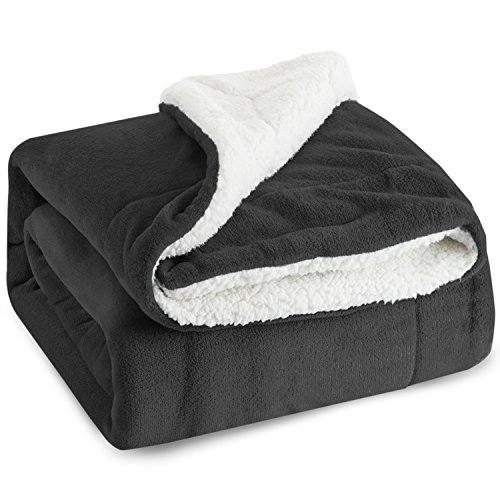 Bedsure Sherpa Fleece Blanket Queen Size Dark Grey Plush Throw Blanket Fuzzy Soft Blanket Microfiber