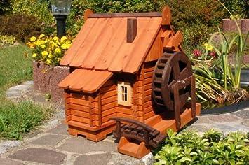 Wundersch/öne gro/ße Wasserm/ühle aus Holz im blockhausstil mit Holzschindeldach