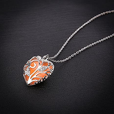 Blue-SZRUYUY01 Glow in Dark Women Necklace Hollow Out Heart Crystal Pendant Luminous Necklace