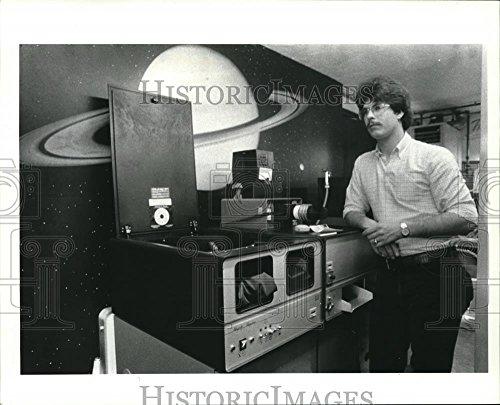Historic Images 1984 Press Photo Pate Krauss his Mini Photo Lab - 8 x 10 in ()