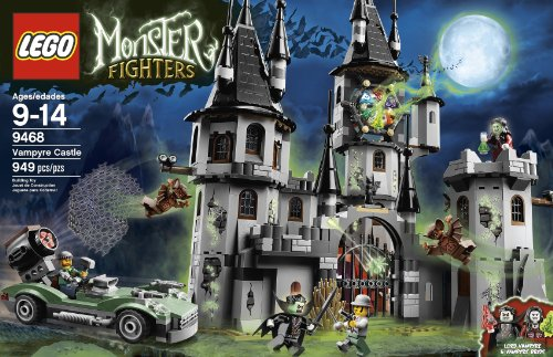 LEGO Monster Fighters Vampyre Castle 9468 (Discontinued by manufacturer)]()