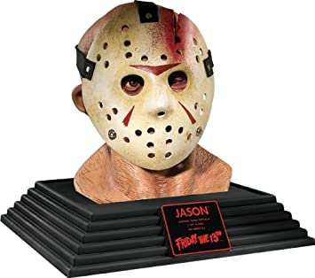 Amazon.com: Friday The 13th Jason Voorhees expositor Busto ...