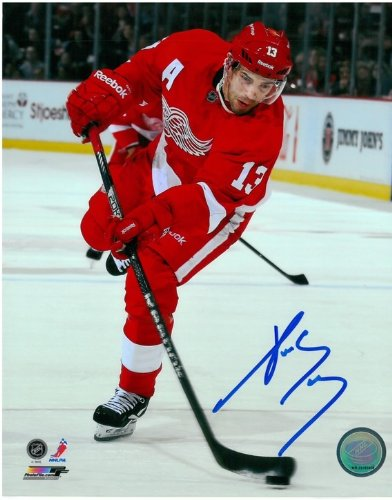 Pavel Datsyuk Autographed Detroit Red Wings 8x10 Photo #9 - The