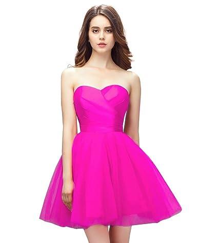 a940b75f1f ¿Quién no muere por una falda de tutú y un top drapeado al cuerpo  ¡Este  adorable vestido con escote de corazón es un look soñado!