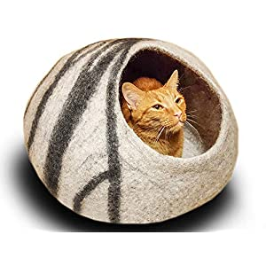 MEOWFIA Premium Felt Cat Bed Cave (Medium) – Handmade 100% Merino Wool Bed for Cats and Kittens