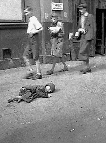 In The Ghetto Of Warsaw: Photographs by Heinrich Jost