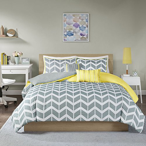 Intelligent Design Nadia Duvet Cover Twin/Twin Xl Size - Yellow , Chevron Duvet Cover Set - 4 Piece - Ultra Soft Microfiber Light Weight Bed Comforter Covers - Nadia 4 Light