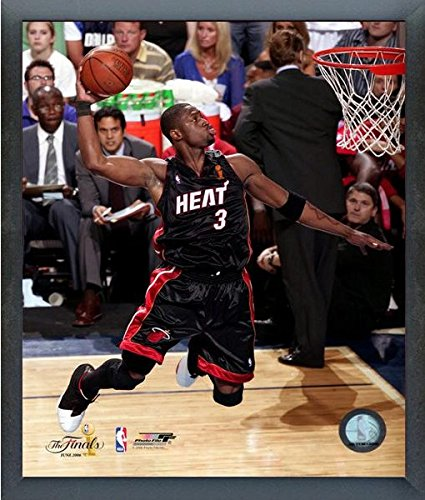 NBA Dwyane Wade Miami Heat 2006 Finals Game Action Photo (Size: 17