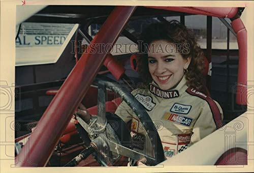 (1990 Press Photo Race Car Driver Sherry Blakly at San Antonio Speedway)