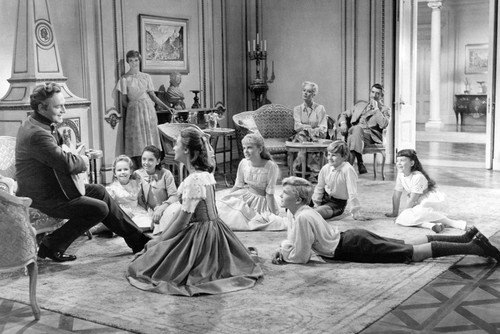 Julie Andrews, Christopher Plummer, Eleanor Parker, Charmian Carr, Heather Menzies, Nicholas Hammond, Duane Chase, Angela Cartwright, Debbie Turner and Kym Karath in The Sound of Music 24x36 Poster from Silverscreen