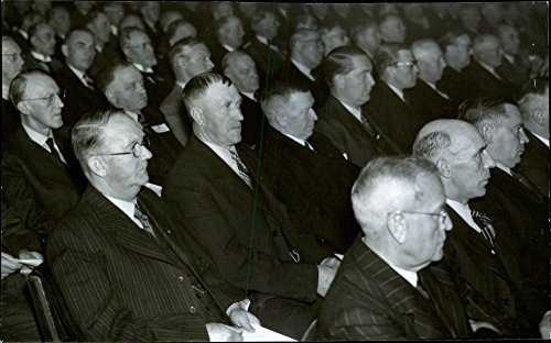 vintage-photo-of-public-image-of-swedish-savings-banks-associations-annual-meeting-in-the-concert-ha