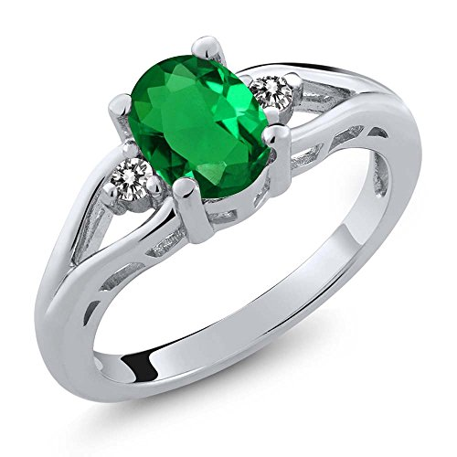 Gem Stone King 1.07 Ct Oval Green Simulated Emerald White Diamond 925 Sterling Silver 3 Stone Ring (Size 7) ()