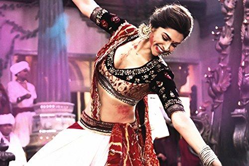 Deepika Padukone Hot Ram-Leela Poster