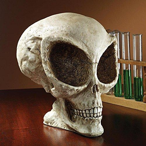 Design Toscano Extra-Terrestrial Alien Skull Statue