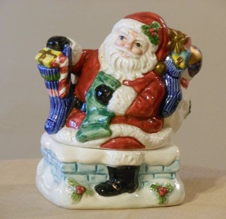 - Fitz and Floyd TOYLAND SANTA Stacking Salt and Pepper Set