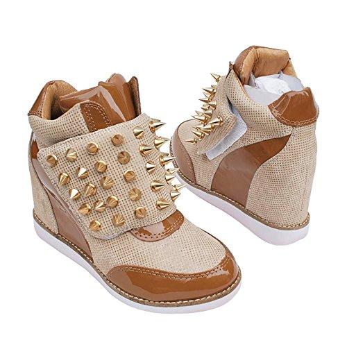 Jeffrey Campbell Teramo Spike Sneaker Con Cuneo Nascosta Velcro In Oro Beige