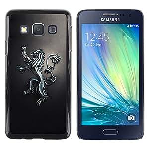 TopCaseStore / la caja del caucho duro de la cubierta de protección de la piel - Royal Lion Crest - Samsung Galaxy A3 SM-A300