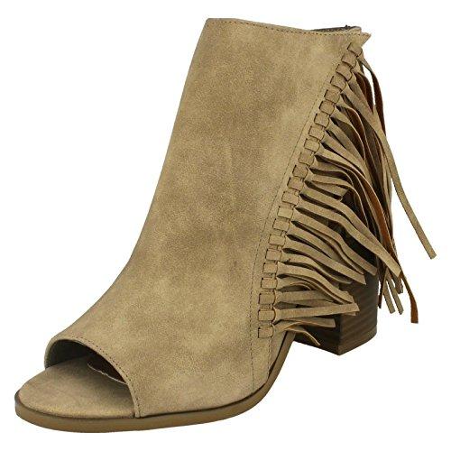 Damen Spot On Open Fuß, und offenes Knöchel Reißverschluss Stiefel mit lange Fransen Beige