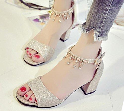 Nuevo verano de 2017 áspero con la palabra salvaje de los altos talones de la señora de las sandalias con los zapatos del diamante 2
